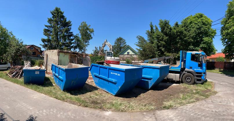 Rozdelovanie odpadu: železo, drevo, suť, betón