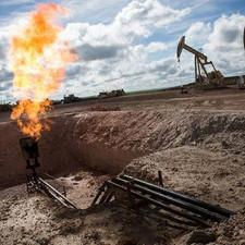 صندوق النقد العربي: النفط الصخري مضر بالبيئة وغير مجدٍ اقتصاديًا .. في وقت تتراجع فيه أسعار النفط إل