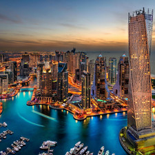 اقتصاديون يطلقون تحذيرات من الاقتداء بنموذج دبي في الهيكلة المالية أو تطوير المشاريع العقارية