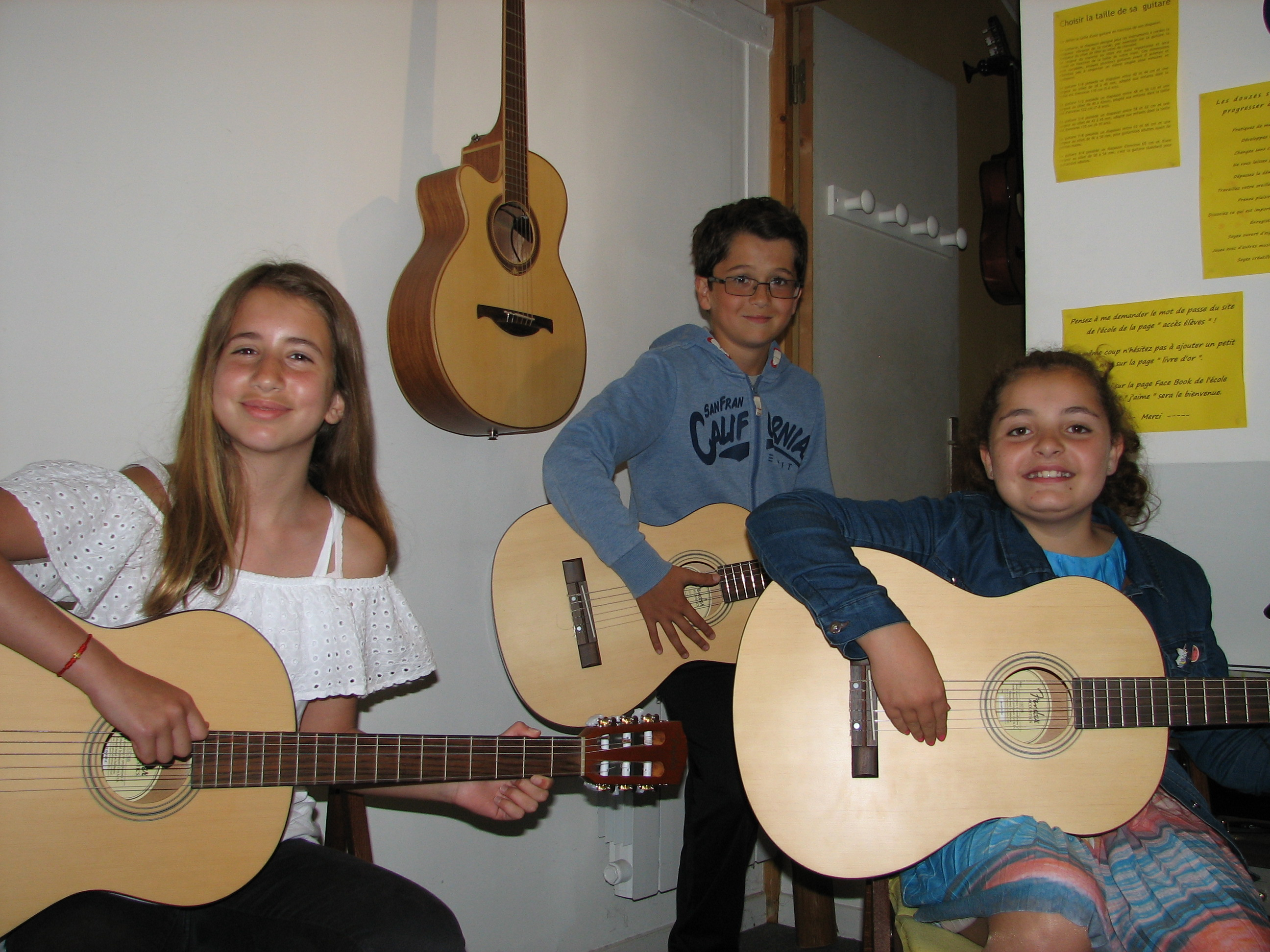 Aylin, Paul et Océane.