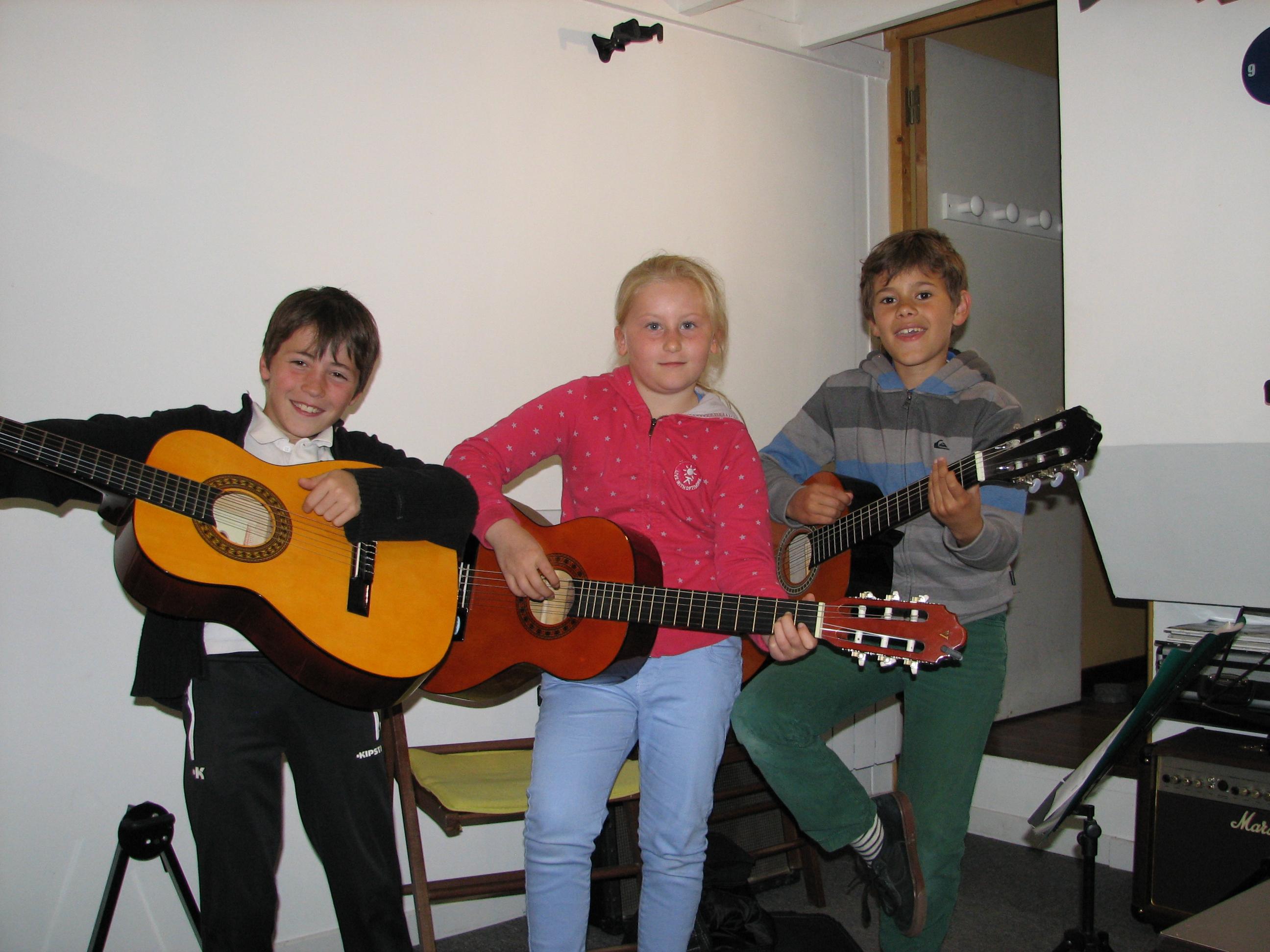 Amaël, Isaure et Baptiste.