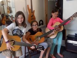 Lou, Elaïa et Hegoa
