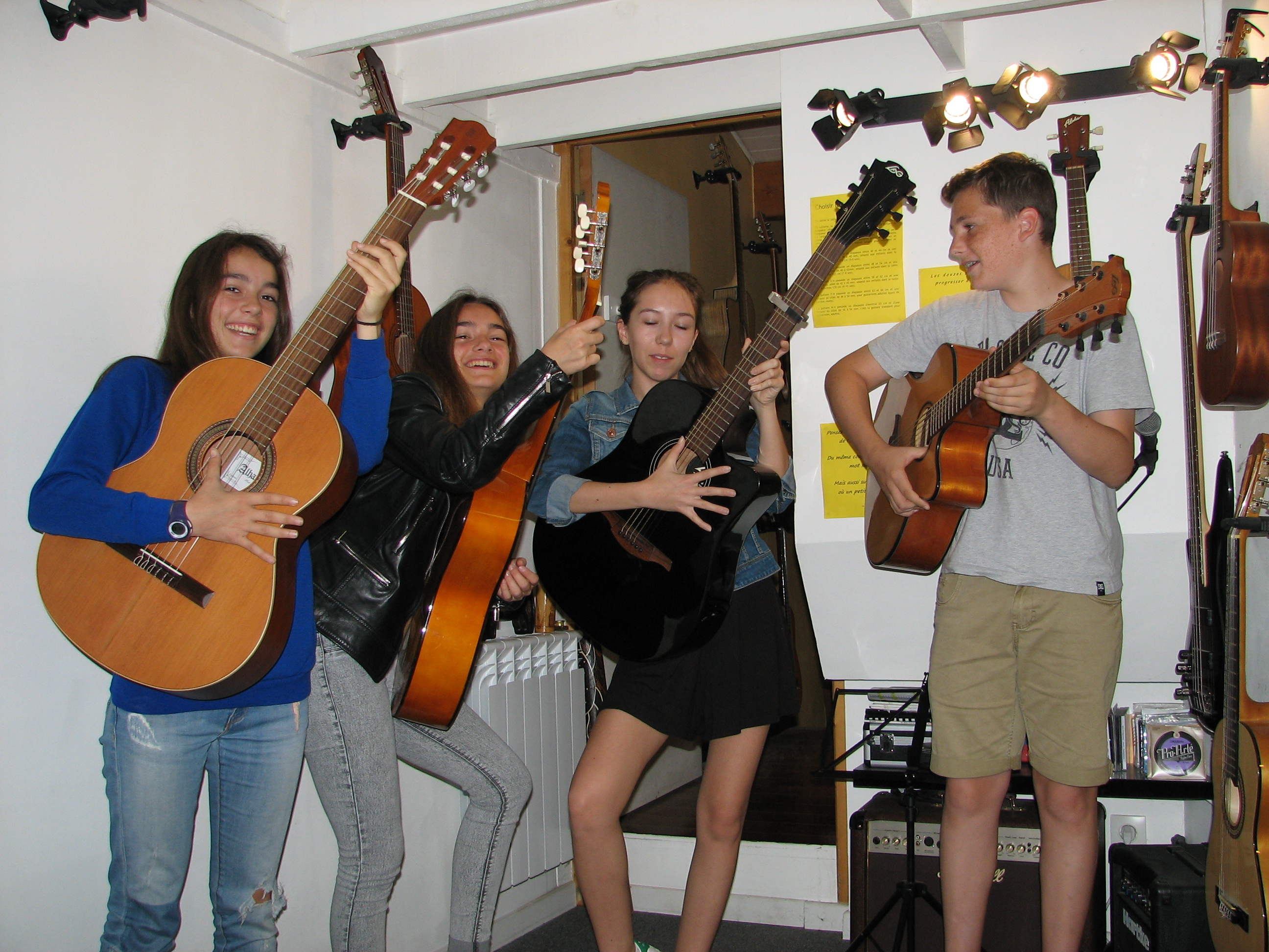 Camille, Charlotte, Louise et Diego