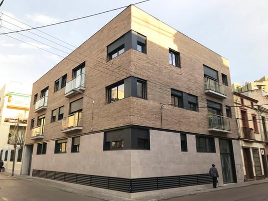 Edifici plurifamiliar en cantonada Madoz 25