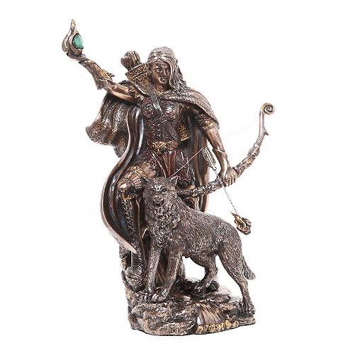 Skadi Statue