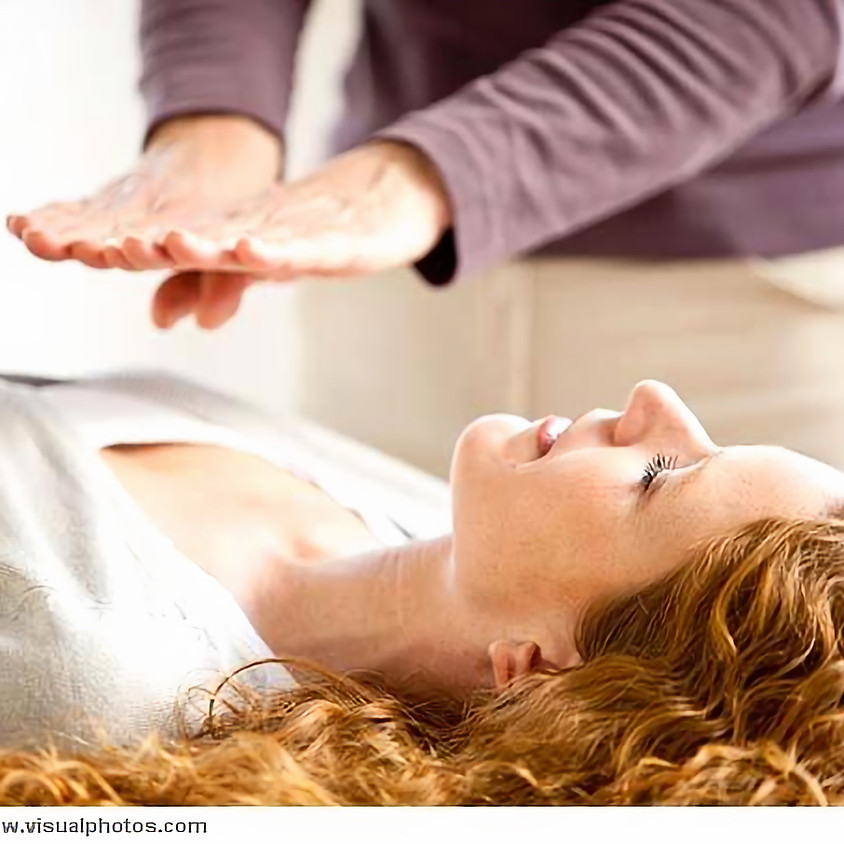 Reiki Healing by Evelyn Reavis