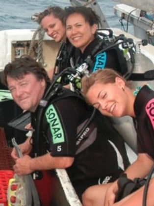 Johnny with girls for a diving session