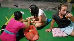 Making canang sari container