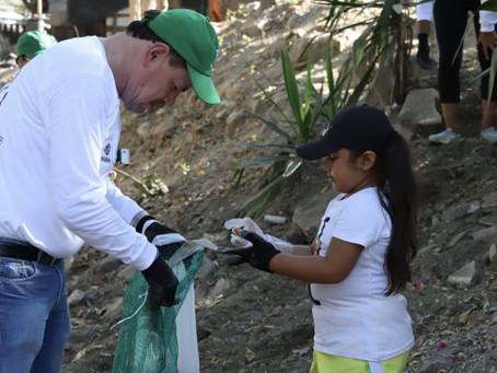 Retiran 3,500 kilos de basura de playas de Bahía de Banderas