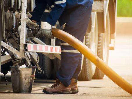 Brote de coronavirus 'abre la puerta' a México para comprar gasolina más barata de Asia