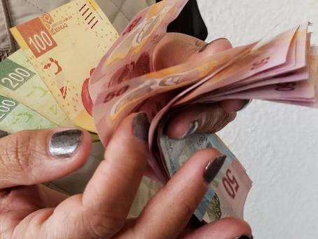 El peso 'quita la sonrisa' y registra pérdidas frente al dólar