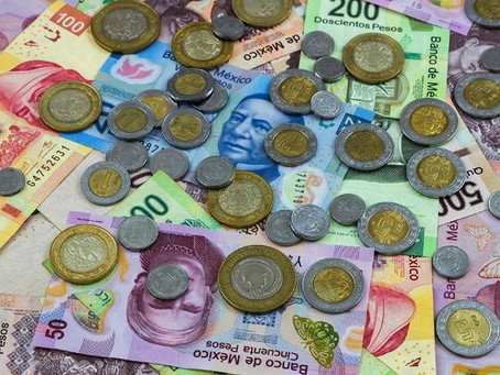 Peso recupera 24 centavos por mayor apetito de riesgo; dólar cierra en 24.02 unidades