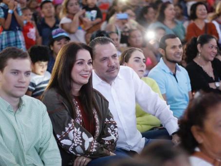 Con más de dos mil asistentes Celebra DIF Bahía el Día de Reyes con tradicional rosca