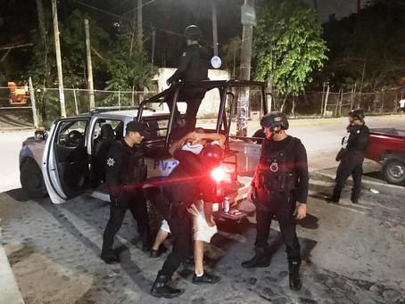 Detienen a sujeto armado durante operativo en Puerto Vallarta