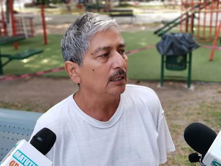 Taxista pide apoyo al Gobernador para recuperar su unidad