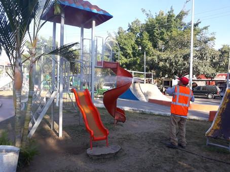 Continúa sanitización en Plazas Públicas de Bahía de Banderas