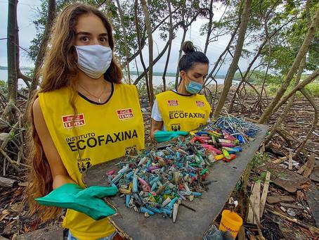 Voluntários retiram mais de 300 kg de lixo do manguezal na 119ª Ação Voluntária EcoFaxina