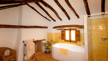 The Yellow Suite - En-Suite Bathroom