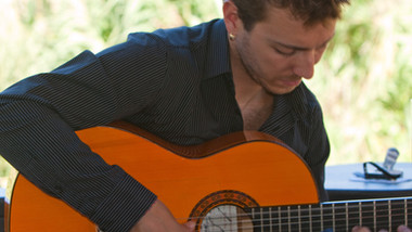 Local flamenco guitarrist (and primary school teacher!)