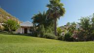 Renta a big country villa in large gardens