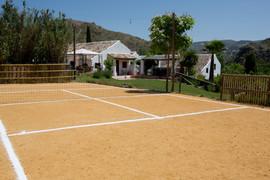 El Molino del Conde: Games area for family tennis; sport court