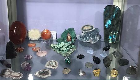cristaux boutique 1.jpg