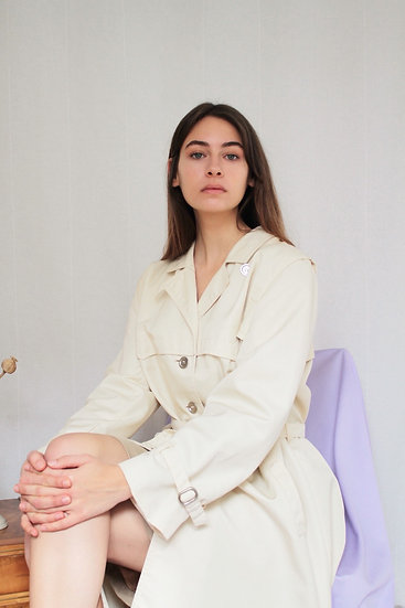 Cream trench coat - M/L