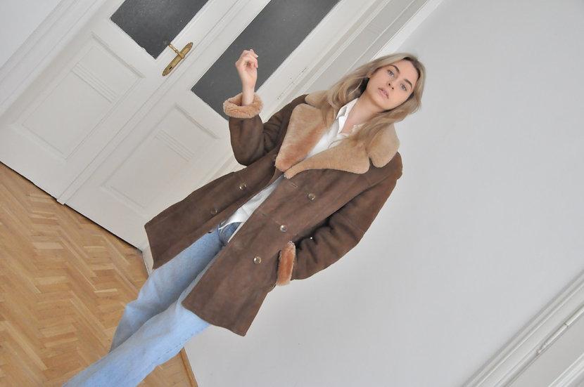 Fur lined suede coat / M-L