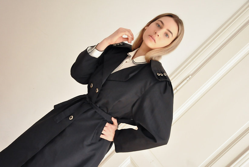 Romantic trench coat / M