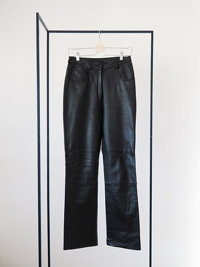 Black leather pants // size 29