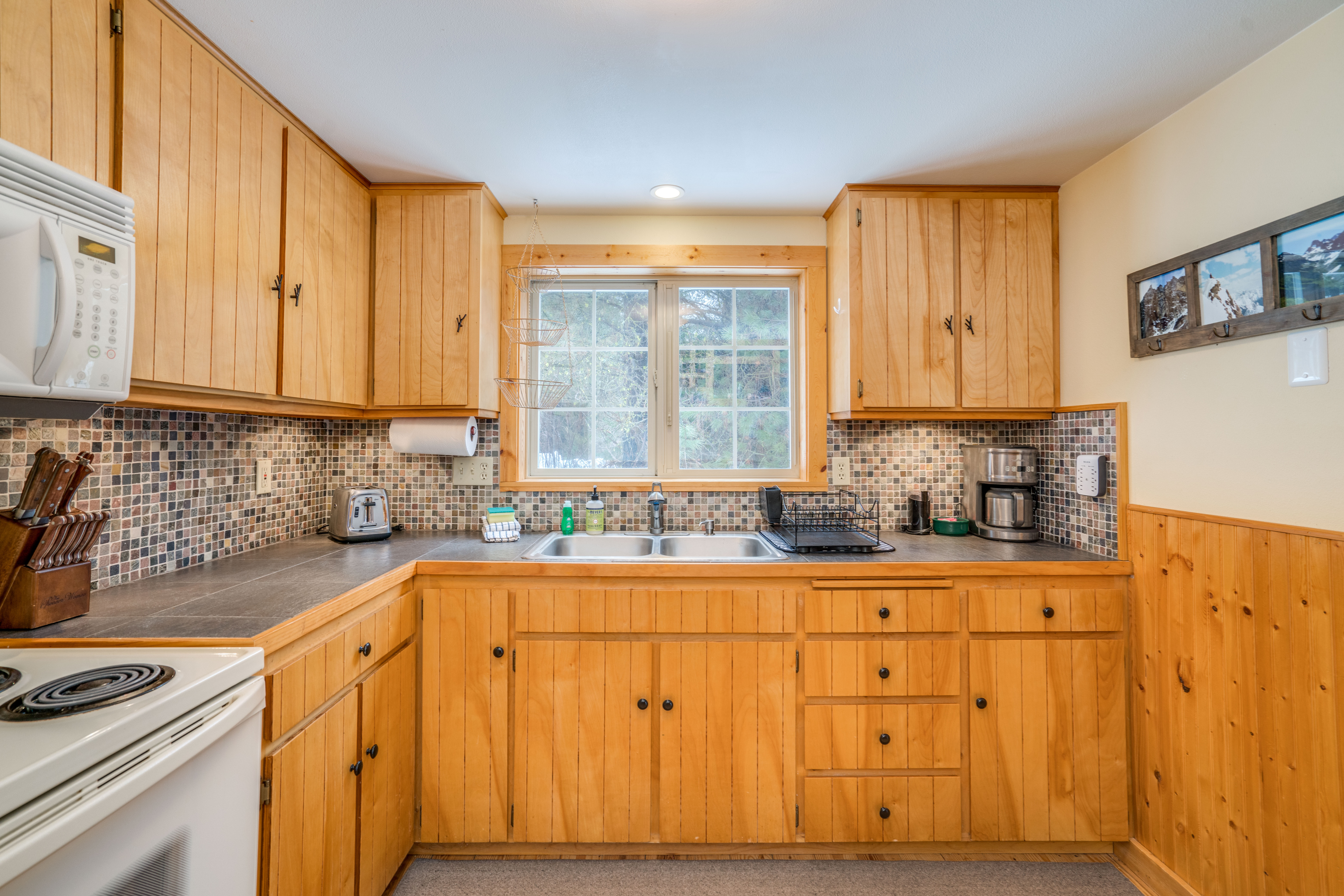 11160 Meadow Dr.-14