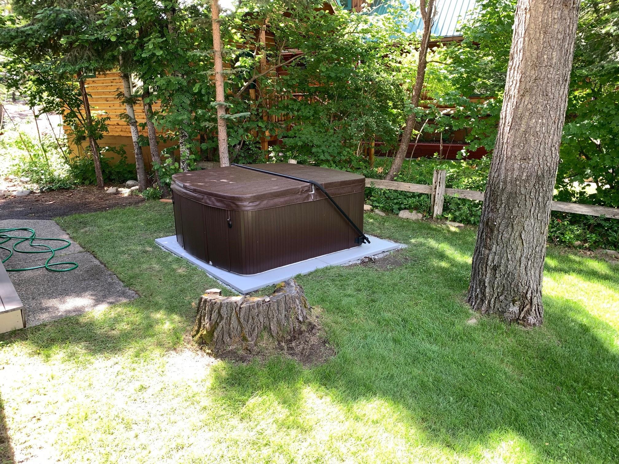 RiverRun hot tub1 (1)