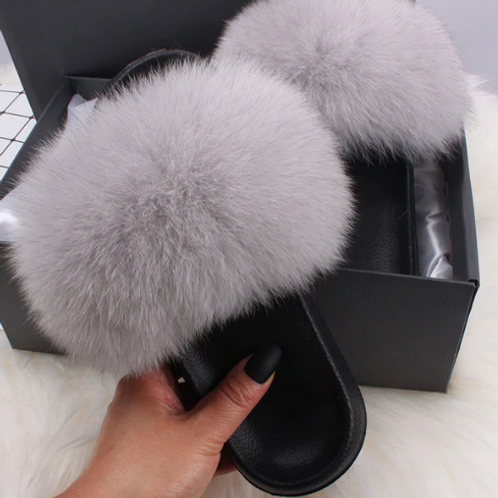 "Genuine Fur Slides. The Prestigio Collection, in ""Classica"""