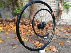 Astral Outback 650B Hope SON