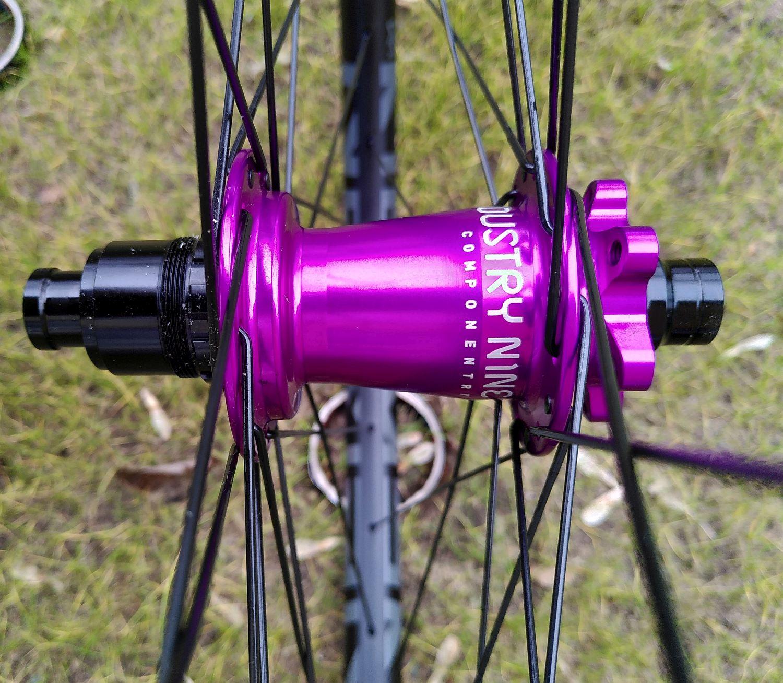 Newmen SL A30 I9 Hydra PurpleNewmen EG35 I9 Hydra Boost Rot