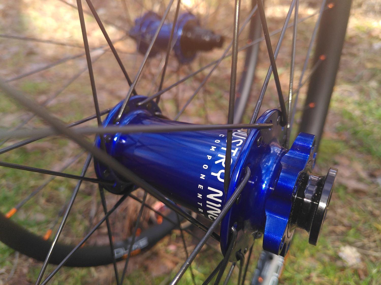 Duke Crazy Star on I9 Hydra blue