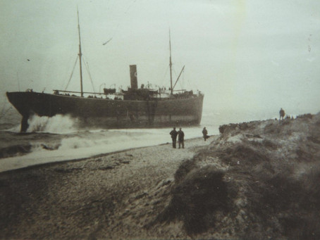 The Stranding of the Steamer 'Huntcliffe' February 1894