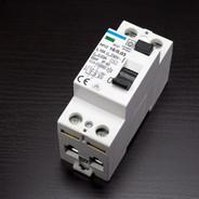circuit-breakers-1167327_1920.jpg