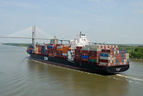 cargo-ship-1617351_1920.jpg