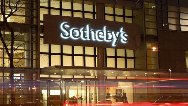sothebys-new-york-new-facade (2).jpg