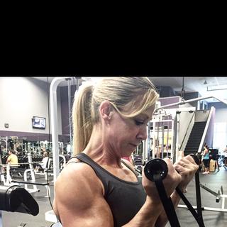 Kris Shanahan biceps