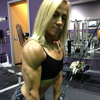 Kris Shanahan training triceps