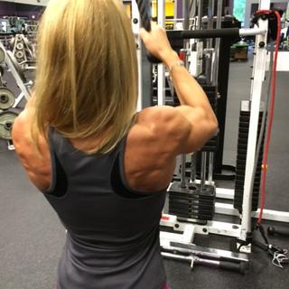Kris Shanahan training shoulders