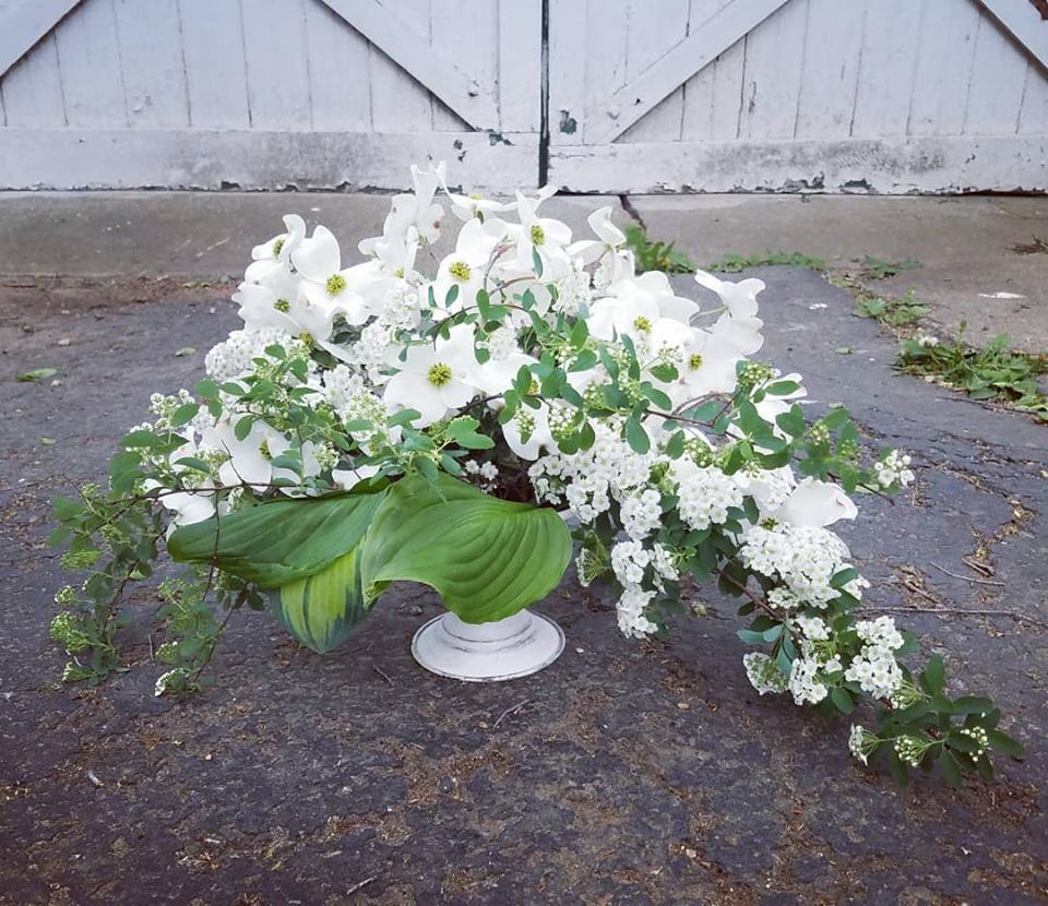 white spring arrangement