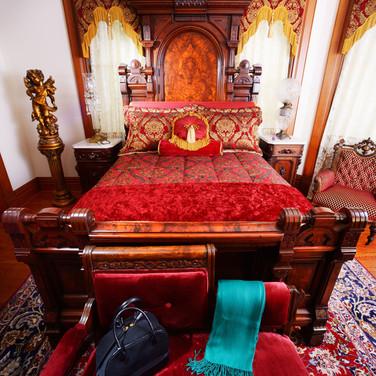 luxury bedroom suite lodging