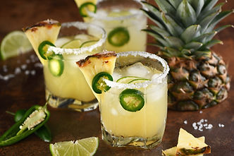 alcoholic-cocktail-pineapple-margarita-t