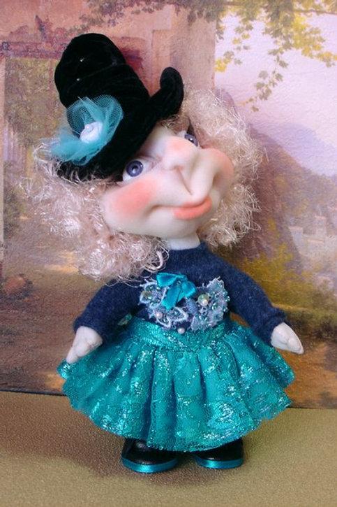 Девочка в голубом - текстильная игрушка