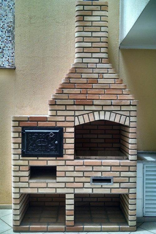 Churrasqueira de tijolo a vista  e forno em ferro caipira