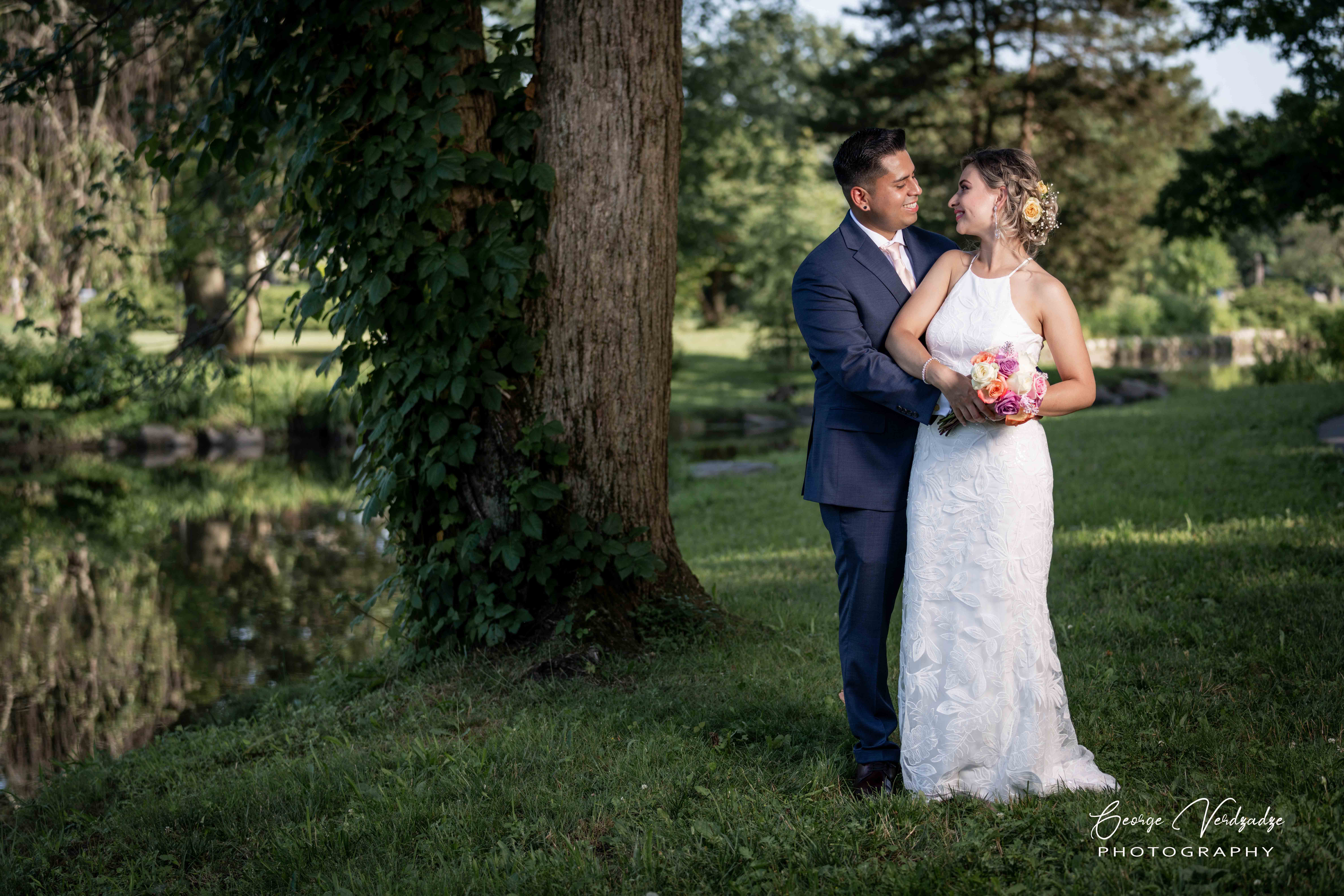 Outdoor wedding photography at Binney Park- Greenwich, CT
