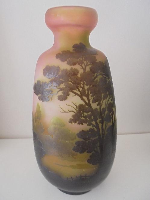 Vase Gallé à décor lacustre